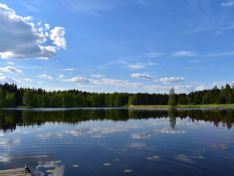 järvimaisemaa Kallio-mökin laituurilta.